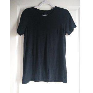 everlane black basic tshirt - m